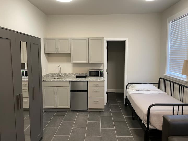 Private Studio with Kitchenette and Great Location