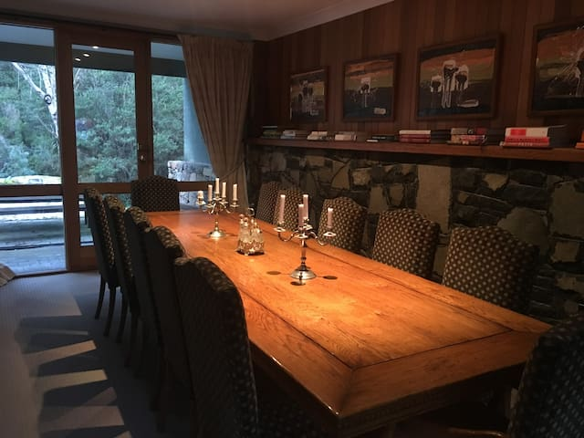Thredbo Luxury Alpine Chalet