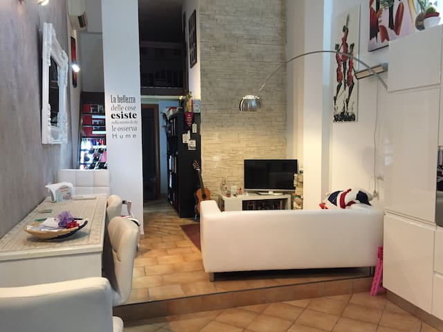 LOVELY LOFT IN FLORENCE  - WI-FI & AC - Firenze - Loft