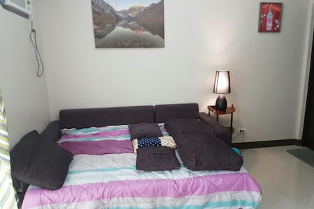 One of the BEST yet AFFORDABLE furnished condomium - Quezon City - Ortak mülk