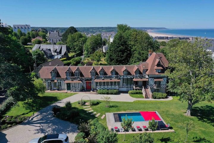 Villa avec piscine à 5mn à pied de la plage