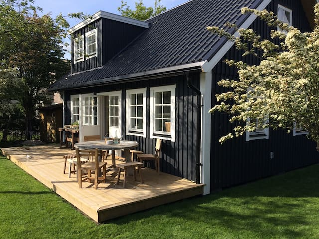 Lovely beach cottage, dunes and sea - Noordwijk - Cabane