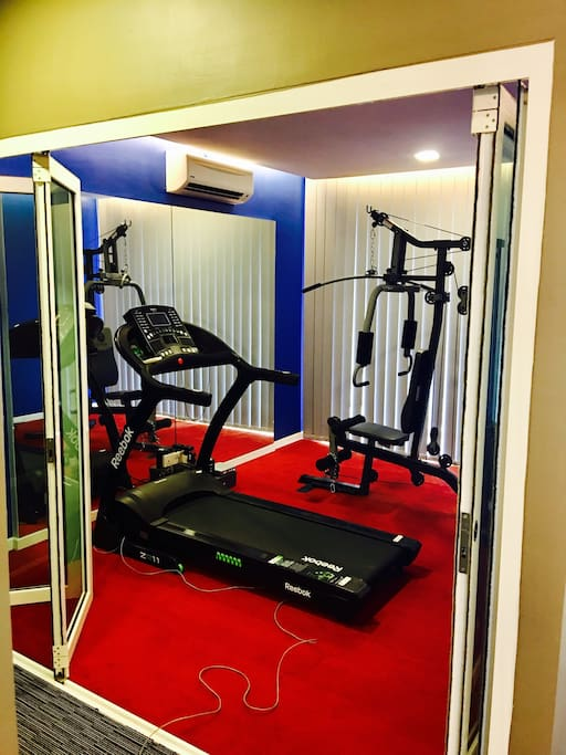 Mini gym: trademill, multi purpose home gym equipment , aircond (required additional cost if guests interested to use, otherwise it will be lock)