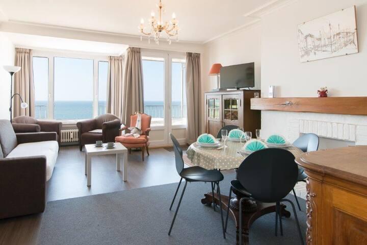 Prachtige studio met adembenemend zicht op de zee