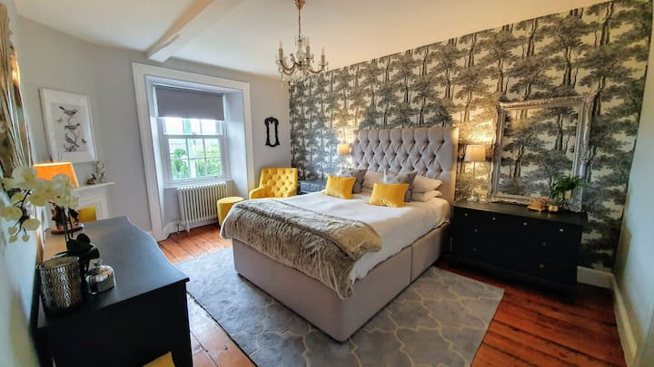 Stylish room in Idyllic Yorkshire Dale's Village