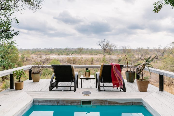 Simbambili Game Lodge - Luxury Waterhole Suite