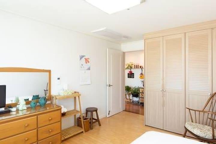 Centum City near Haeundae, Busan; Single bed Room