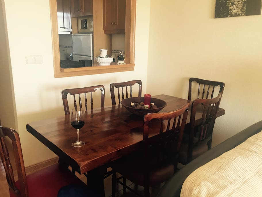 6 seater dining table