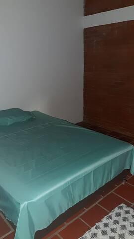 Habitación con cama 2*2  a 5 minutos de san gil