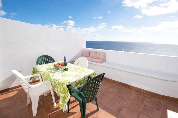 Duplex overlooking the ocean with 300Mb WIFI - Candelaria