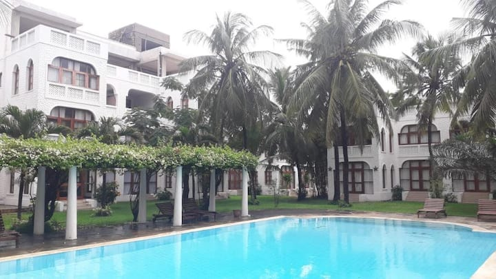 DIANI CHIC APARTMENT 300M TO BEACH
