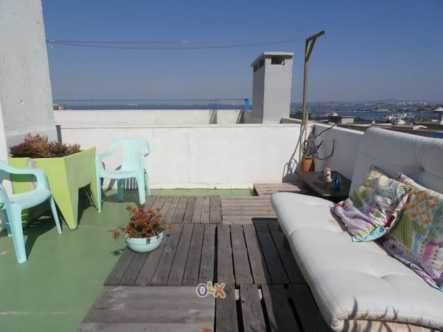 Penthouse near Lisbon and Caparica Beaches - Almada - Apartment