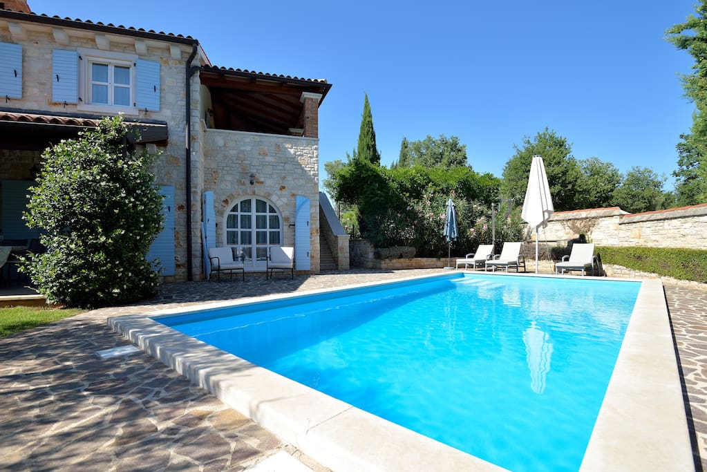 Own private pool 8m x 4m