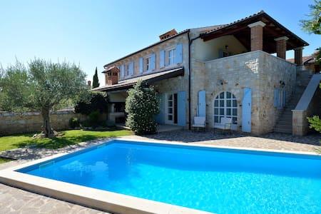 Villa Maslinova Grana-Pool (6-7) - Vabriga