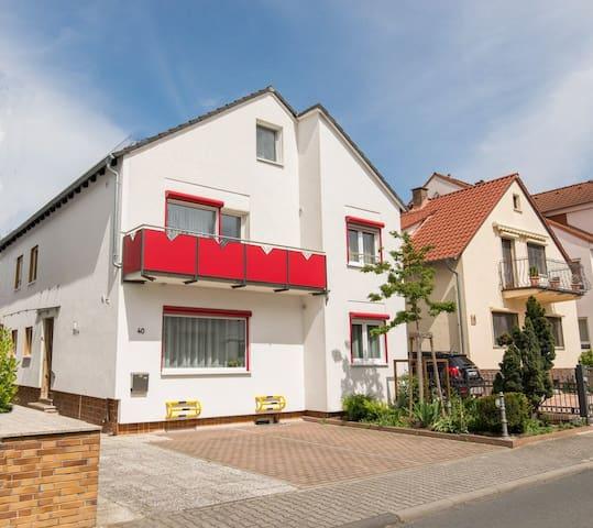 Haus mit 6 Zimmer für 4-12 Personen - Mörfelden-Walldorf - Haus