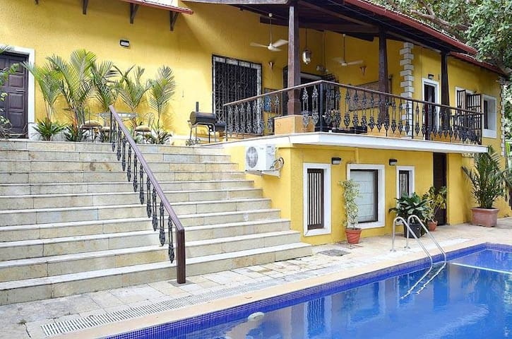 Boutique 4BHK Villa With Private Pool at Ribandar - Ribandar - Vila