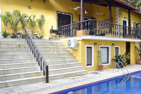 Boutique 4BHK Villa With Private Pool at Ribandar - Ribandar - Vila