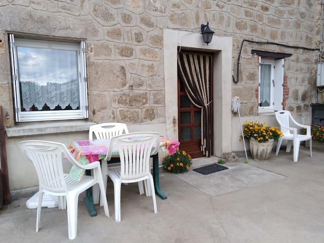rez de chausséé avec terrasse