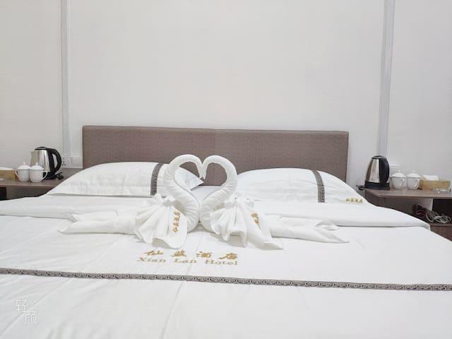 仙蓝公寓xianlan独立浴室 特价 两张大床房 包含早餐 中国人房东 位于仙本那镇上 可加信微