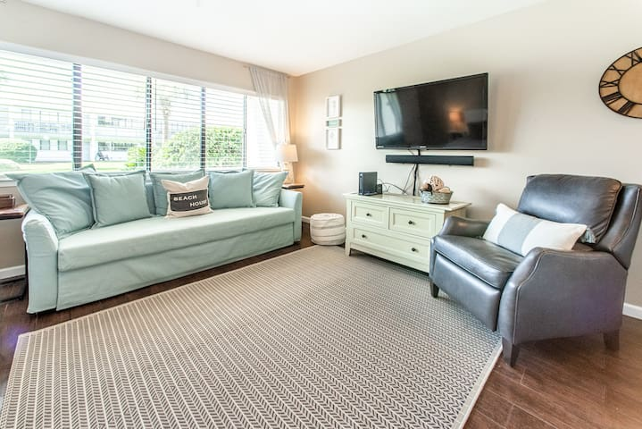 30A Seagrove Bch- Walk 2 Beach! Ground Floor- Pool + Grills ☀Toes In The Sand