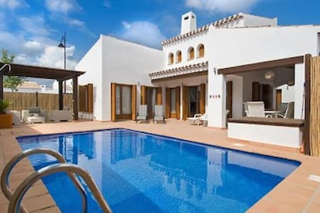 Luxury 6 Bed Private villa with pool - Murcia