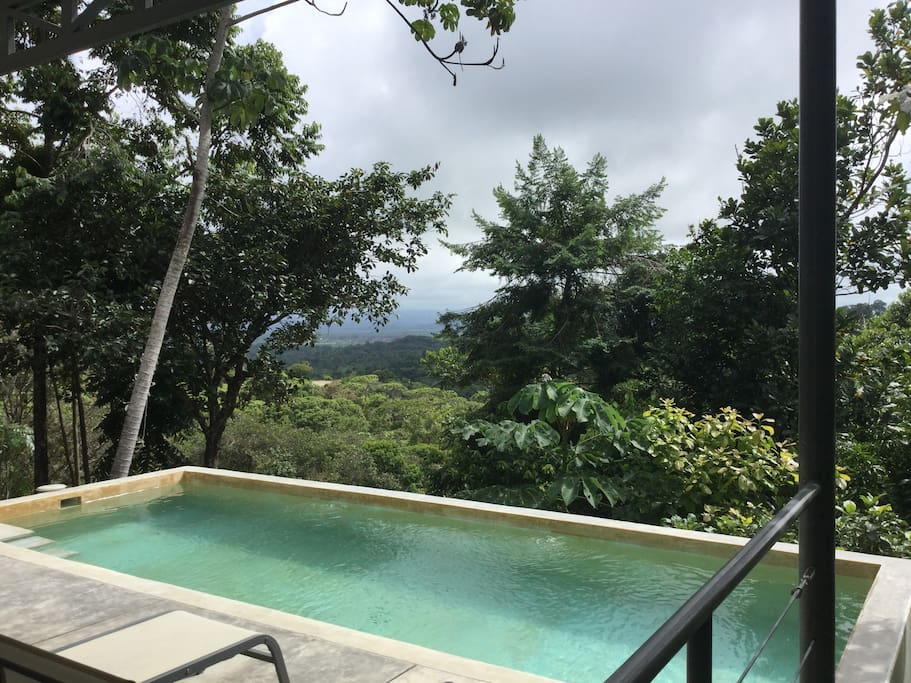 Piscine privée Casa Jungle avec vue à Casa Libert'Inn