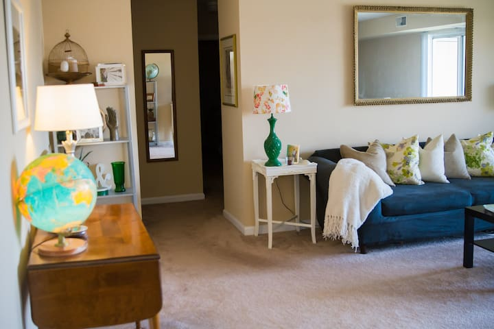 Large Apartment for Papal Visit - West Norriton - Apartment