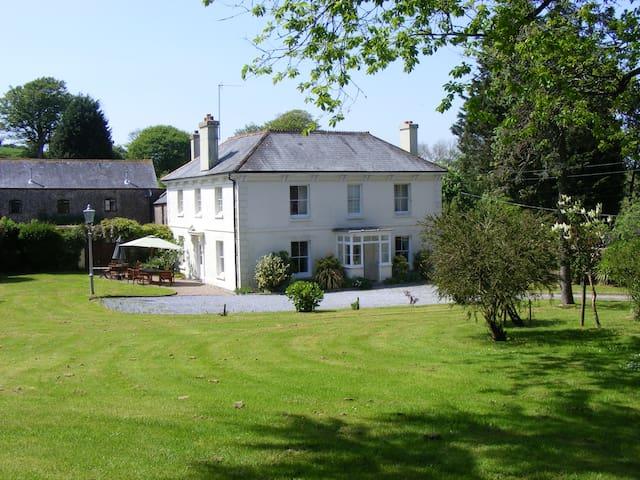 Buckland House - Slapton - House
