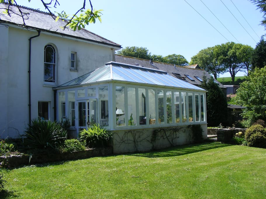 Rear Lawn/Conservatory