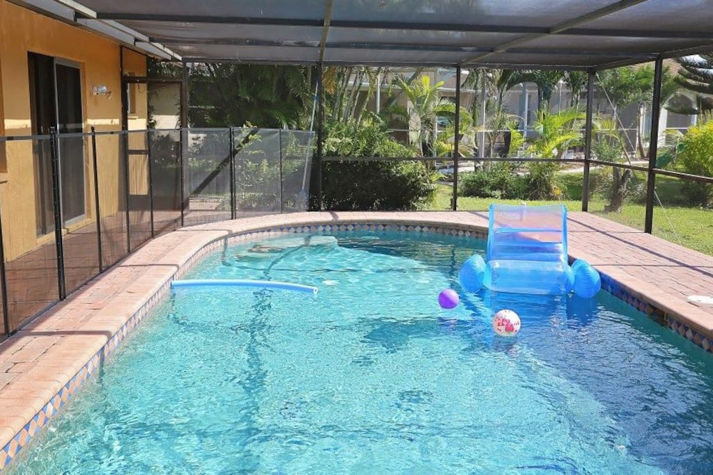pool with child fence - Cape Coral house rental