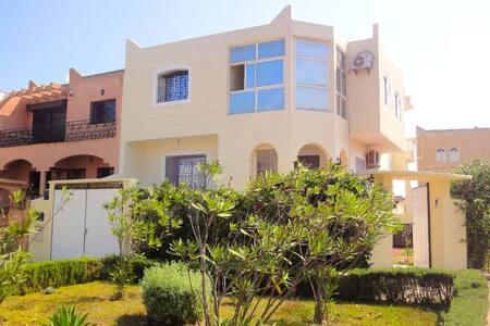 VILLA à 2 pas de la mer - Sidi Bouzid