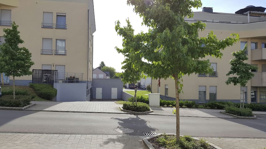 Appart. 52m2 5km from LuxCityCenter - Strassen - Daire