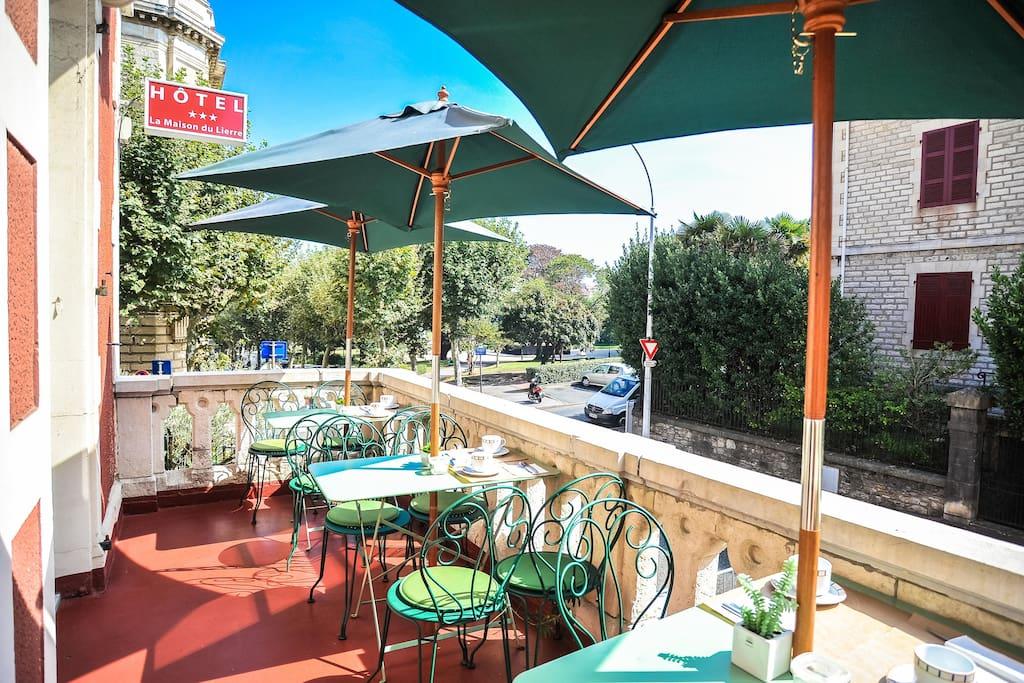 Chambre coquette en centre ville chambres d 39 h tes louer biarritz aquitaine france - Chambre d hote londres centre ville ...