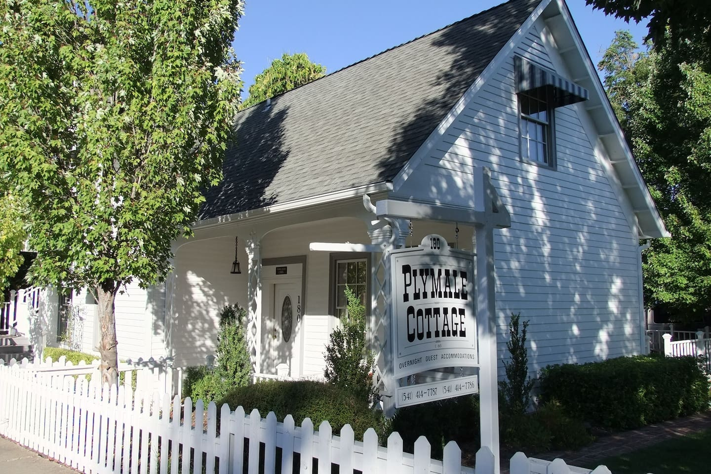 The Plymale Cottage in the Heart of Jacksonville, OR