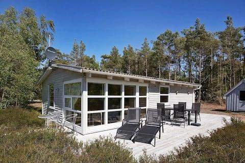 Idyllisches Ferienhaus in Bornholm mit Terrasse