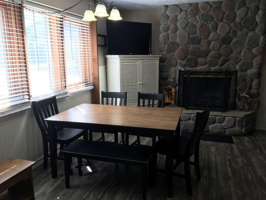 Kitchen, fireplace, tv and blu-ray player