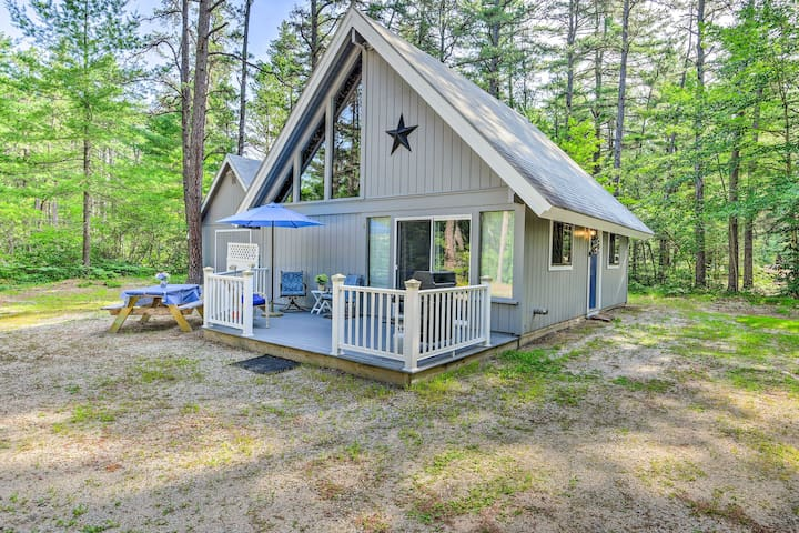 White Mtns Home - Ideal for Skiing & Snowmobiling!