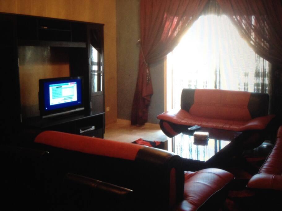 Salle de séjour équipé un TV