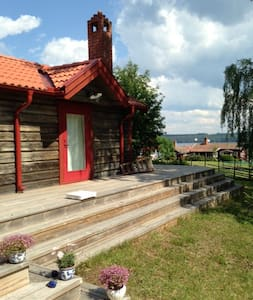 Timmerhus med sjöutsikt över Siljan - Västanvik