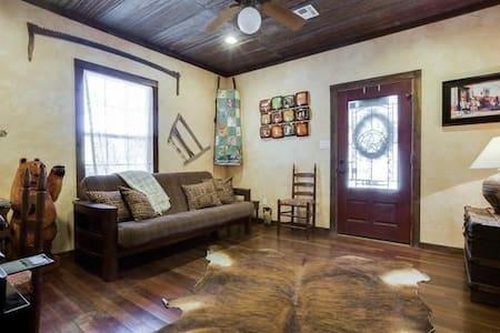 Cypress Creek Guesthouse - Comfort