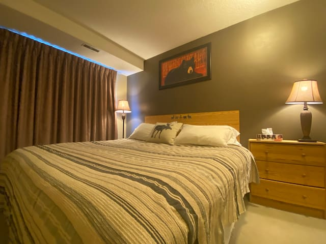 Relexing retreat in Heart of Canmore. 2BR 1BATH