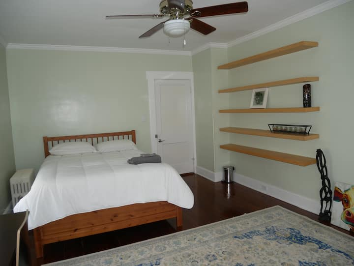 clean bedroom/ shared bathroom