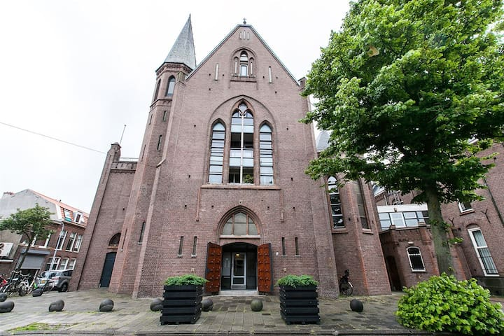 Former Elba Church 1st Floor Apartment - Haarlem - Lägenhet