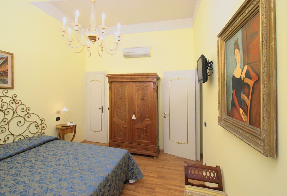 Hotel berna firenze centro chambres d 39 h tes louer for Chambre hotel florence