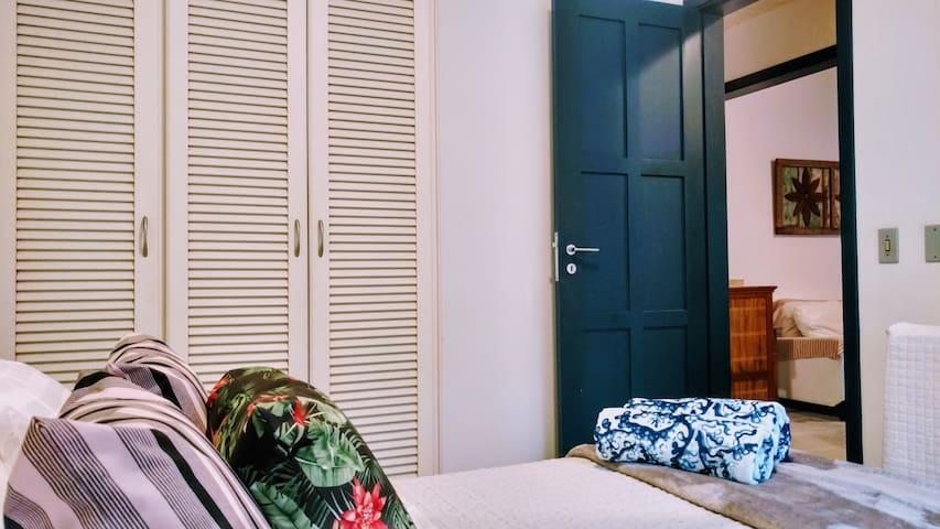 Dormitório com Armário Embutido