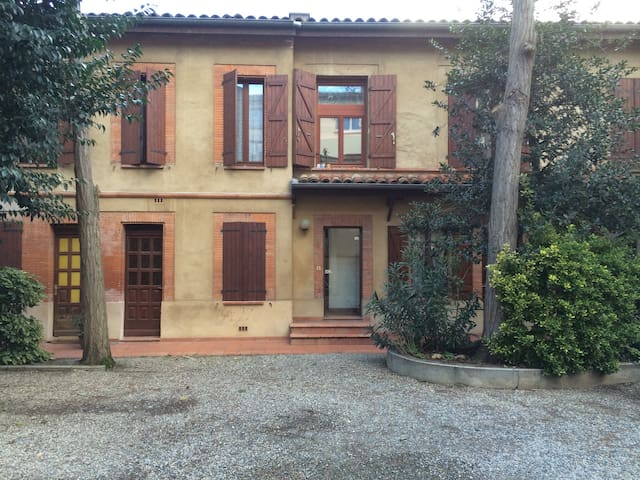 Airbnb Toulouse Vacation Rentals Places To Stay