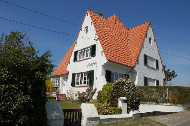 Villa 'tCraeynest,concessie De Haan - De Haan - วิลล่า