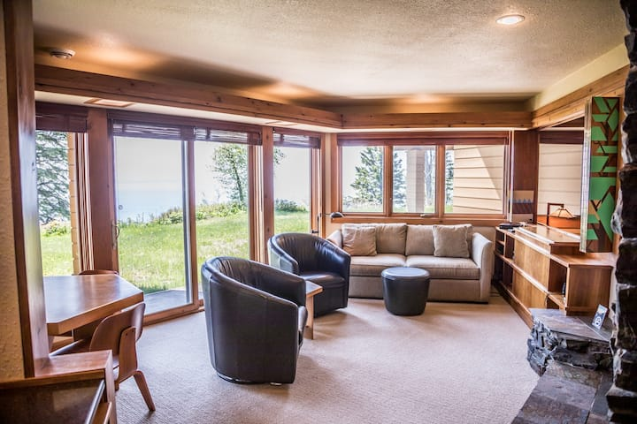 Terrace Point 13B is a beautiful condo on a cliff overlooking Lake Superior between Lutsen and Grand Marais, MN