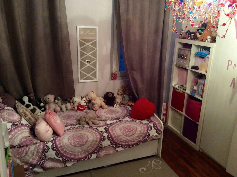 chambre enfant avec lit gigogne pour deux couchages 90cm