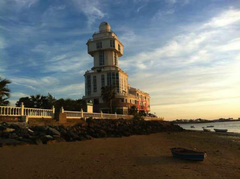 El Faro: Edificio donde se encuentra el apartamento
